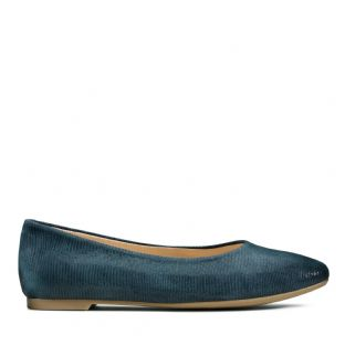 Clarks Womens Chia Violet Navy Interest Shoes
